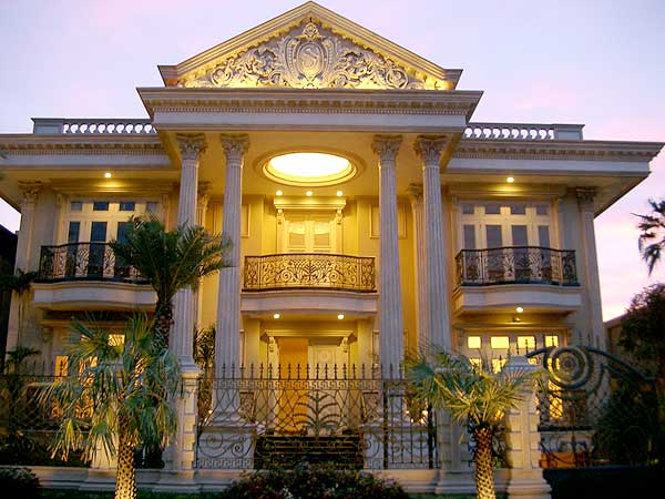 Rumah gaya mediterania klasik, pesonanya tak usang oleh waktu…….